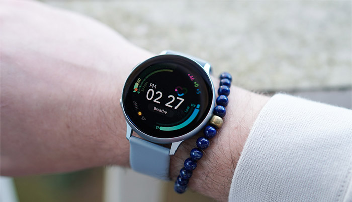 Galaxy Watch Active 2 на руке