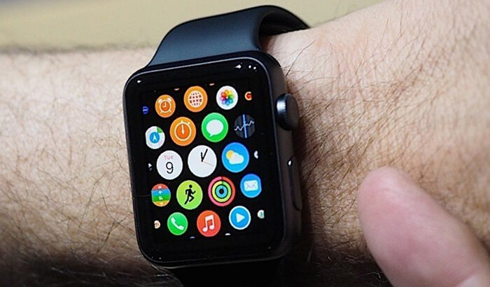 apple watch на руке